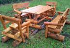 Rustikale Sitzgruppe aus Massivholz